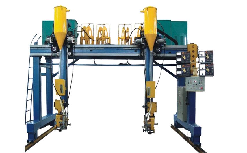 产品展示/Product Display  技术功能 为箱型柱焊接而设计的专用焊接机器,该机采用门架式主体结构,双边驱动。变频无级调速:焊缝跟踪采用机械导轮形式;左右操作均采用气动控制;为提高大焊脚的焊接效率,采用双弧双丝焊接,送丝机头与导弧机构分离 焊剂防护装置,避免焊剂过多散落;工件放置可以采用固定架,也可以采用输送辊道,以便与其它机器配套形式成流水线。 产品参数